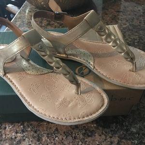 boc cekis light gold sandal size 8 new in box!